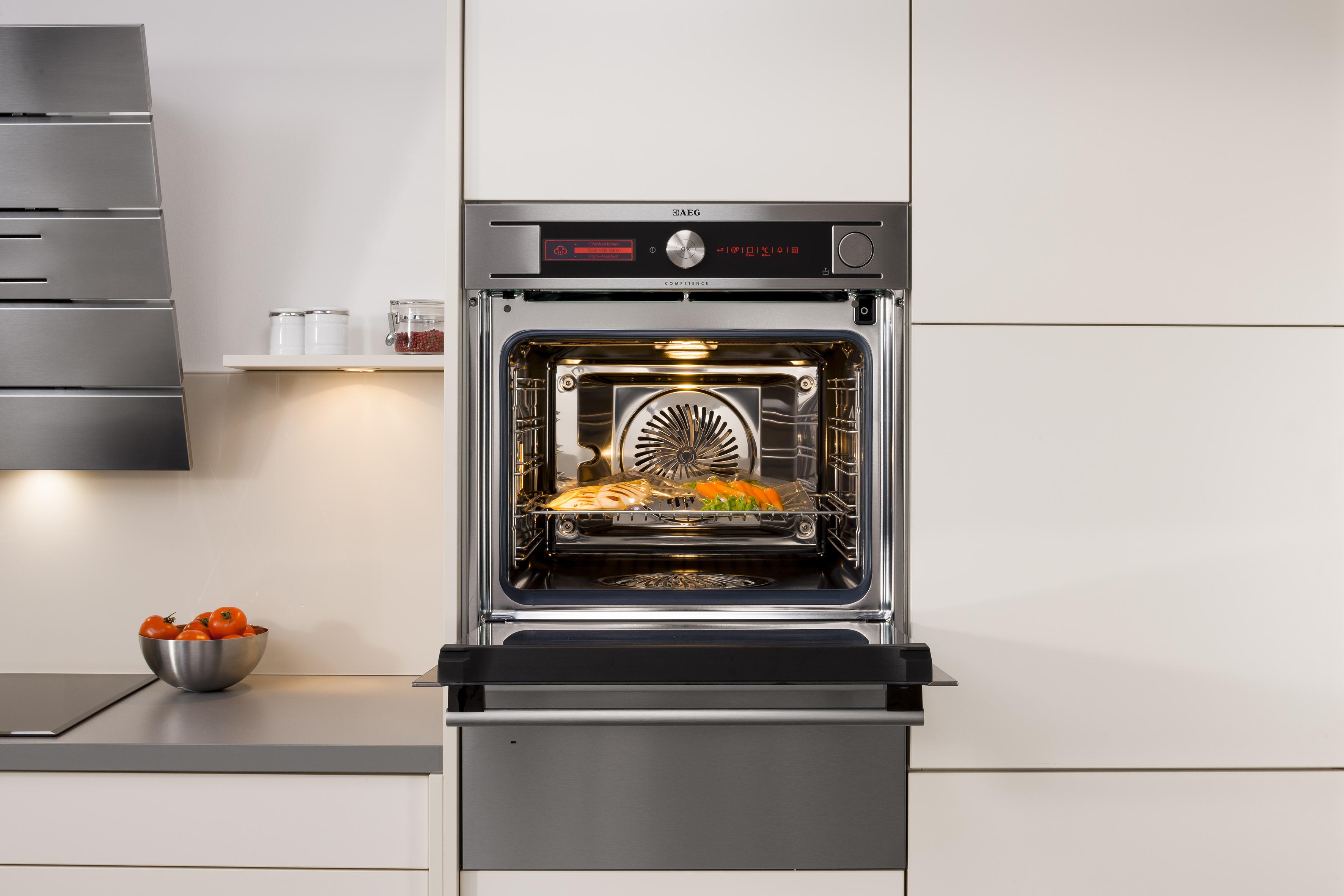 vakuumgaren endlich auch f r haushalte aeg procombi sous vide multi dampfgarer electrolux. Black Bedroom Furniture Sets. Home Design Ideas
