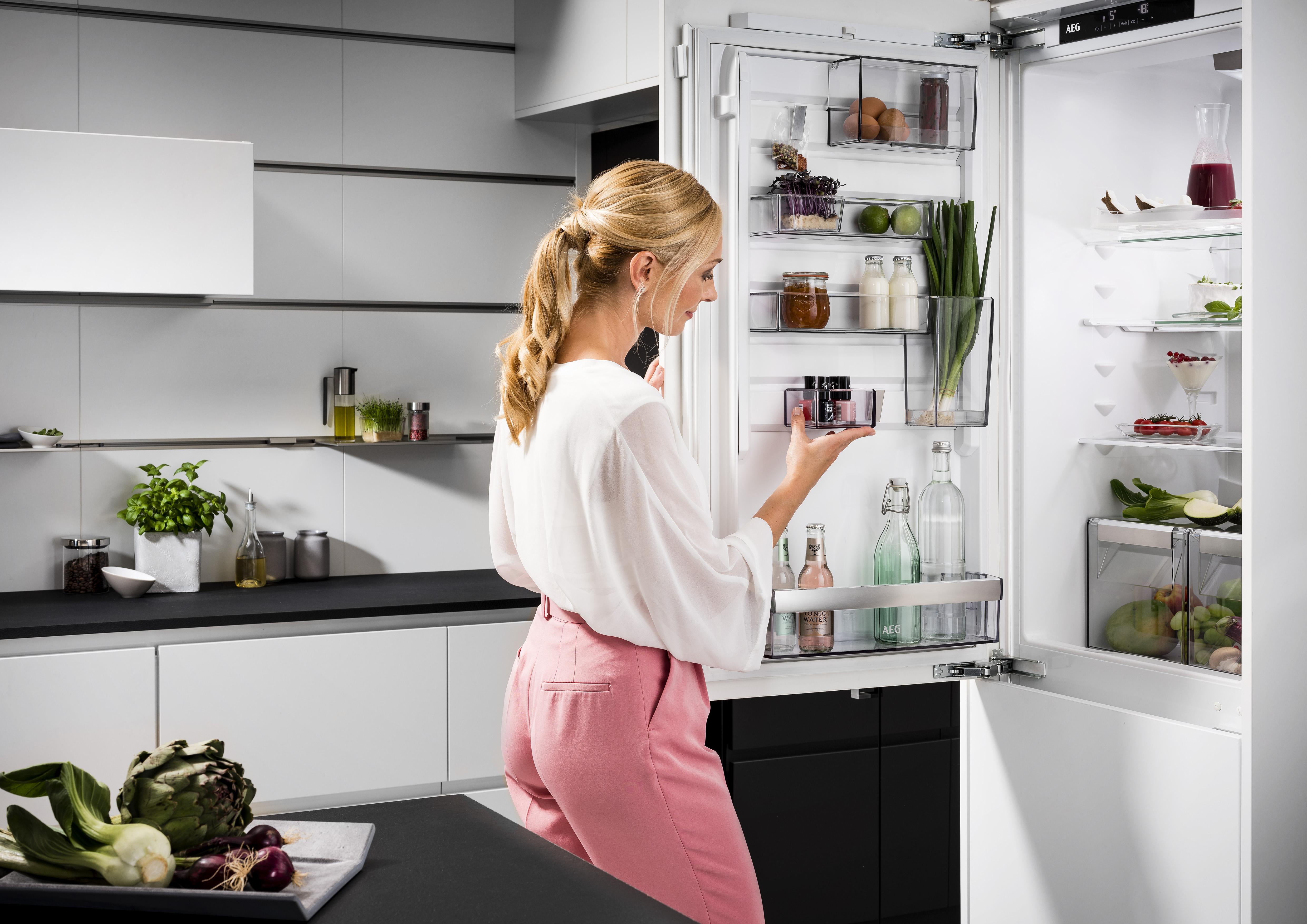 Kühlschrank Juno Elektrolux : Aeg customflex der kühlschrank der sich anpasst electrolux