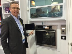 Jan-Brockmann-shows-connected-oven-at-CES-2016